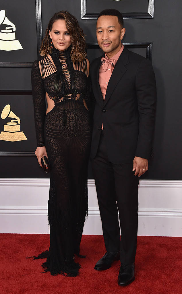 rs_634x1024-170212170304-634-chrissy-teigen-john-legend-grammy-awards-los-angeles-kg-021217